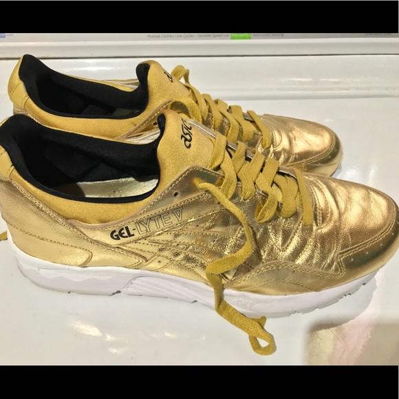 b8a2c9b414fe Asics Other - ASICS TIGER GEL LYTE V liquid metal gold